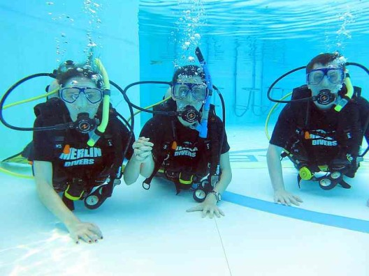 cat-scuba-diving-courses
